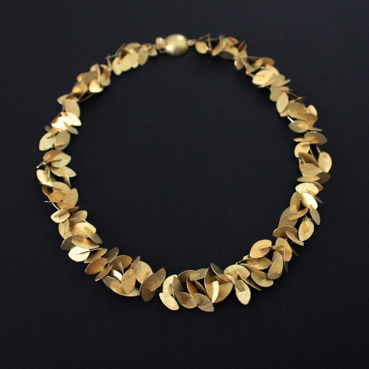 rustling necklace_black