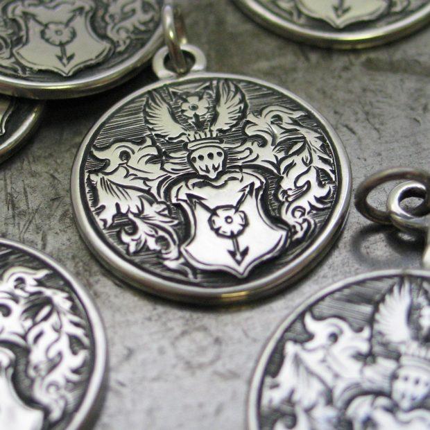 Crest pendant