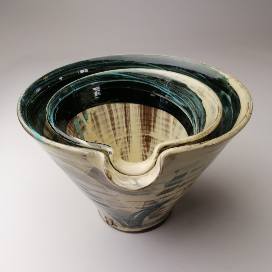 Ceramic stacked pouring bowls